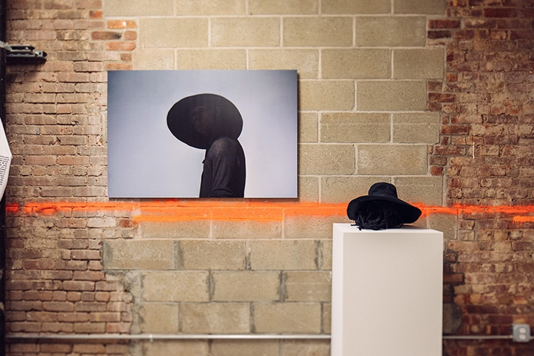 "New York-based apparel brand Outlier celebrated its 10-year anniversary by  installing a retrospective gallery called ""10 years of Outlier Innovation""  in a ... 2c3bb33a7"