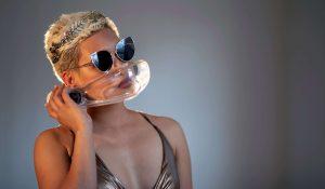 O2O2 facewear sunglasses girl